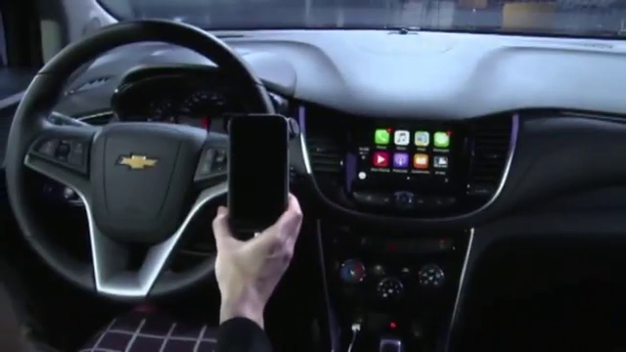 2017 Chevrolet Trax Interior Design, Apple CarPlay and Android Demo ...