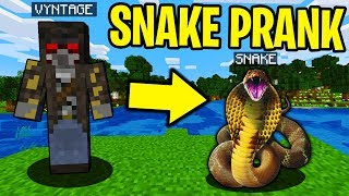 SCARY SNAKE PRANK IN MINECRAFT! - Minecraft Trolling Video