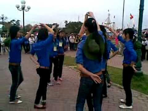 múa hát tập thể