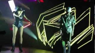 deadmau5 trolling sofi during meowingtons hax tour 2011 and dances