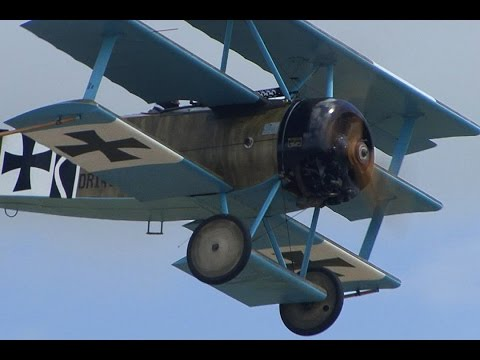 World War One Dogfight - YouTube