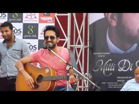 Ayushman Khurana's live performance