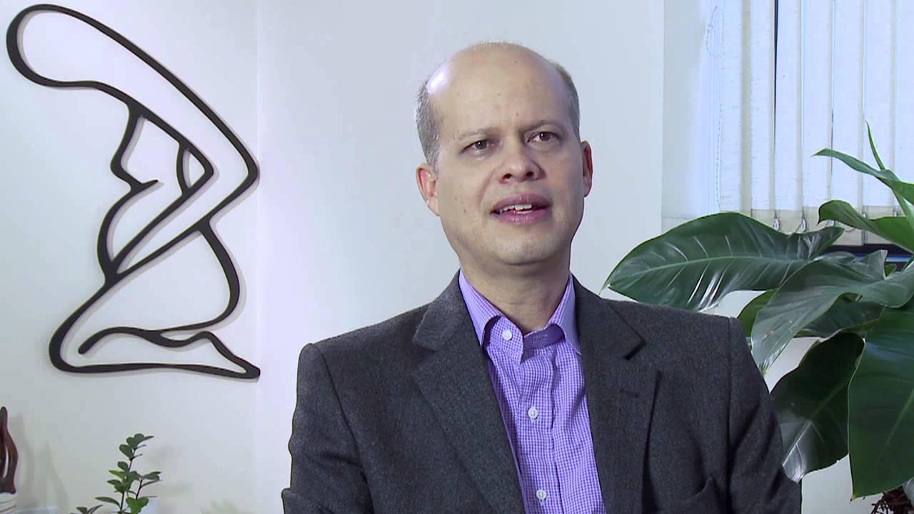 Resultado de imagem para Alberto Guimarães, autor do livro Parto Sem Medo,