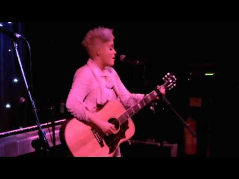 Amy Wadge - Thinking Out Loud