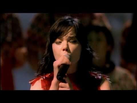 Björk - Human Behaviour (Live at Royal Opera House)