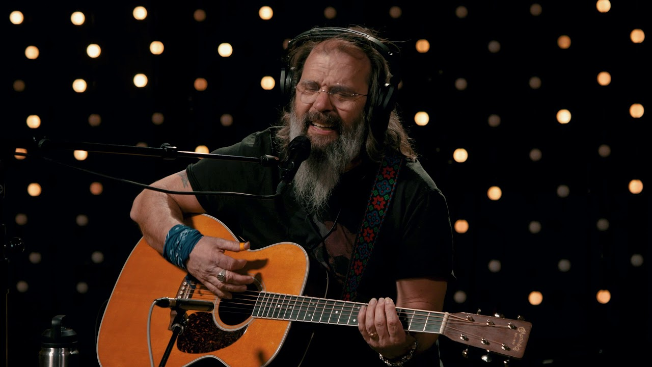Steve Earle - Desperados Waiting For A Train (Live on KEXP)