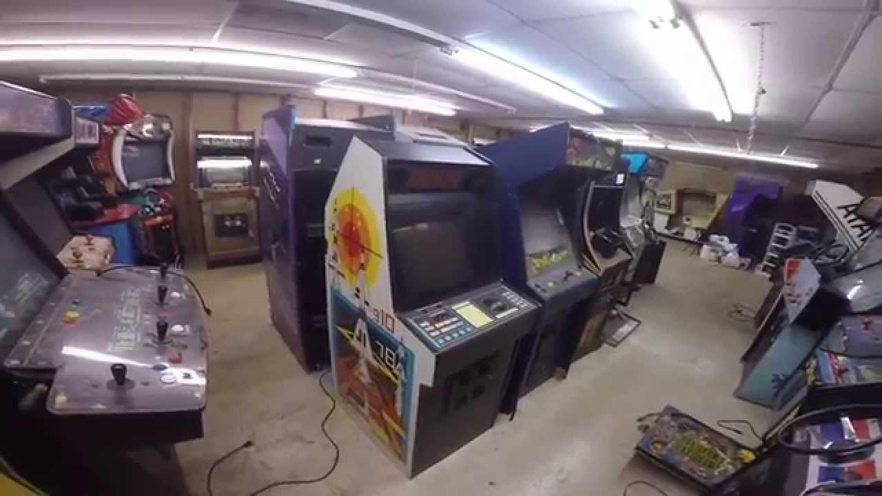 ARCADE WAREHOUSE RAID - 100+ Video Games, TONS of Parts ...