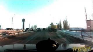 Не поделили дорогу(Ростов-на-Дону, перед Ворошиловским ДПС при выезде из города тип на Тайгере наверное очень спешил, и ему..., 2012-02-03T18:20:46.000Z)