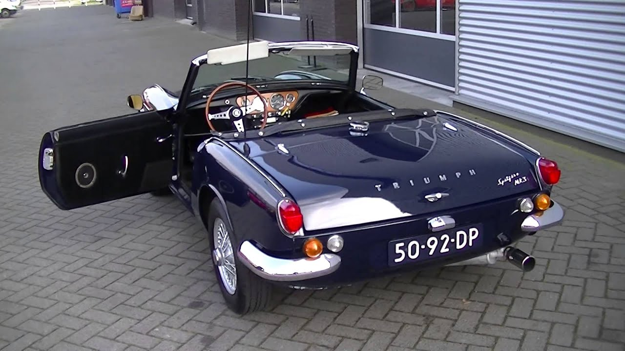 triumph spitfire mkiii 1967 wire wheels very good condition video youtube. Black Bedroom Furniture Sets. Home Design Ideas
