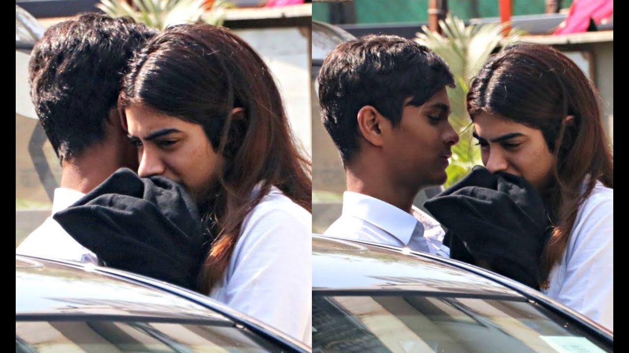 Khushi Kapoor Caught Hugging Her Boyfriend
