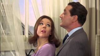 A Funny Thing Happened on the Way to the Station : The Avengers 5x13 (1967) - tag scene