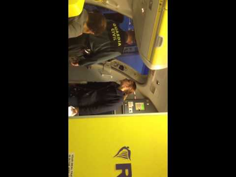 Flipo con el servicio de Ryanair (el vídeo es de otro usuario de facebook aviso)