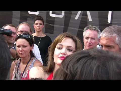 Angelina Jolie SALT Premiere Moscow Russia red carpet (Анжела, Анжел...) HD
