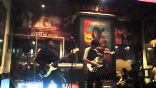 "CHECKER - ""SPIRIT OF MINE"" - (JAMING IN CLASSIC ROCK BANDUNG - INDONESIA) MEI 2012"