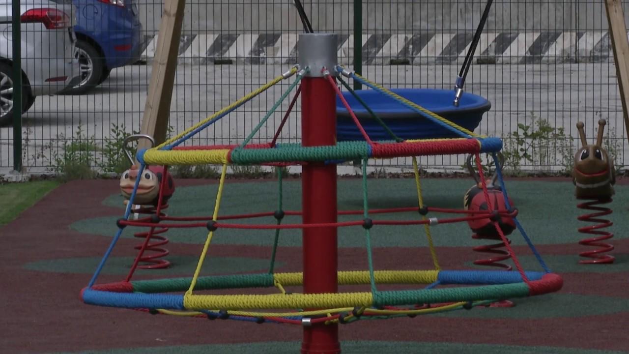 Super Il parco giochi a disposizione dei bambini della scuola materna  TZ01