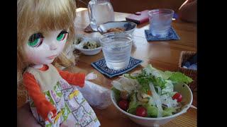 旅する人形で群馬県のカフェレストラン アウルに.