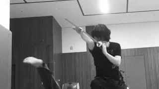 鴉の代表が椿三十郎の決闘シーンをやるとこうなる。