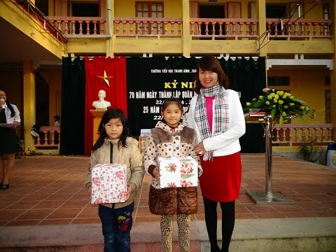 Trao quà cho các em hs tiểu học Thanh Bình - tp Hải Dương