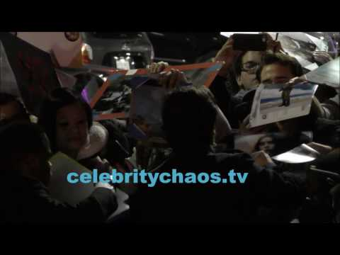 Star Wars rogue one actor Diego luna causes autographer madness in hollywood