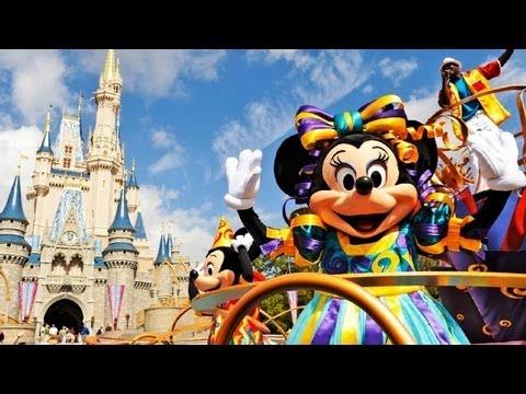 """♥♥ Walt Disney World's """"Move It! Shake It! Celebrate It!"""" Street Party (in HD)"""