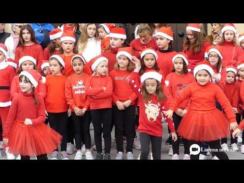 """VÍDEO: La Escuela """"Mamen Dance"""" pone color y alegría al centro de la ciudad con sus coreografías."""