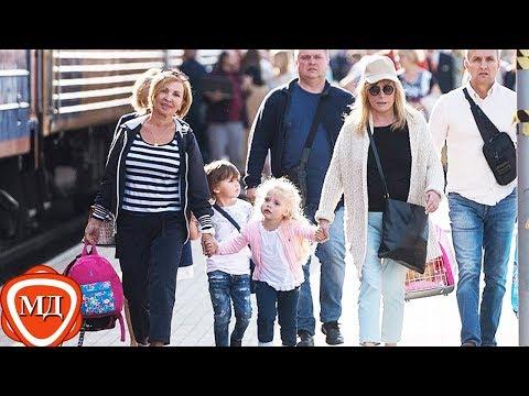 ДЕТИ ПУГАЧЕВОЙ И ГАЛКИНА: Алла Пугачева с детьми Гарри и Лизой   вернулась в Москву из Юрмалы!