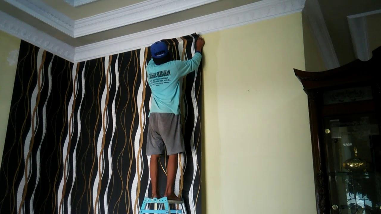 Cara pasang wallpaper dinding 1 youtube - Cara pasang wallpaper ...