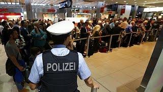 توتر في مطار كولونيا في ألمانيا