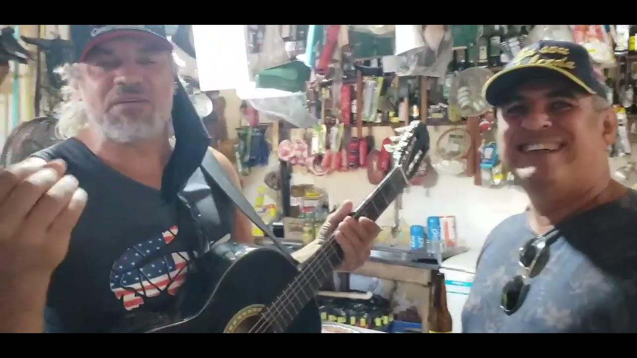 DEODÁPOLIS: De passagem para pescar no rio Dourados, dupla Marcos Paulo e Marcelo visitam venda em Porto Vilma e tocam música