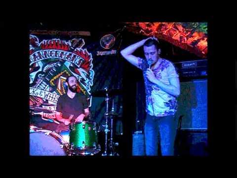 BRITNEY, Bannerman's, Edinburgh, JUne 2015, 'SNEEZEFIC/ILLAHSWES'