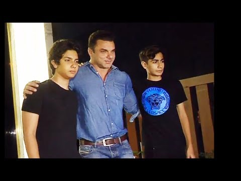 Thumbnail: Sohail Khan With Nirvaan & Arhaan At Gauri Khan's Restaurant Launch