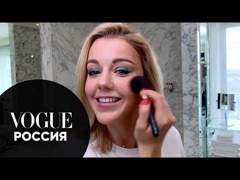 Секреты красоты: Юлианна Караулова показывает, как сделать цветные стрелки