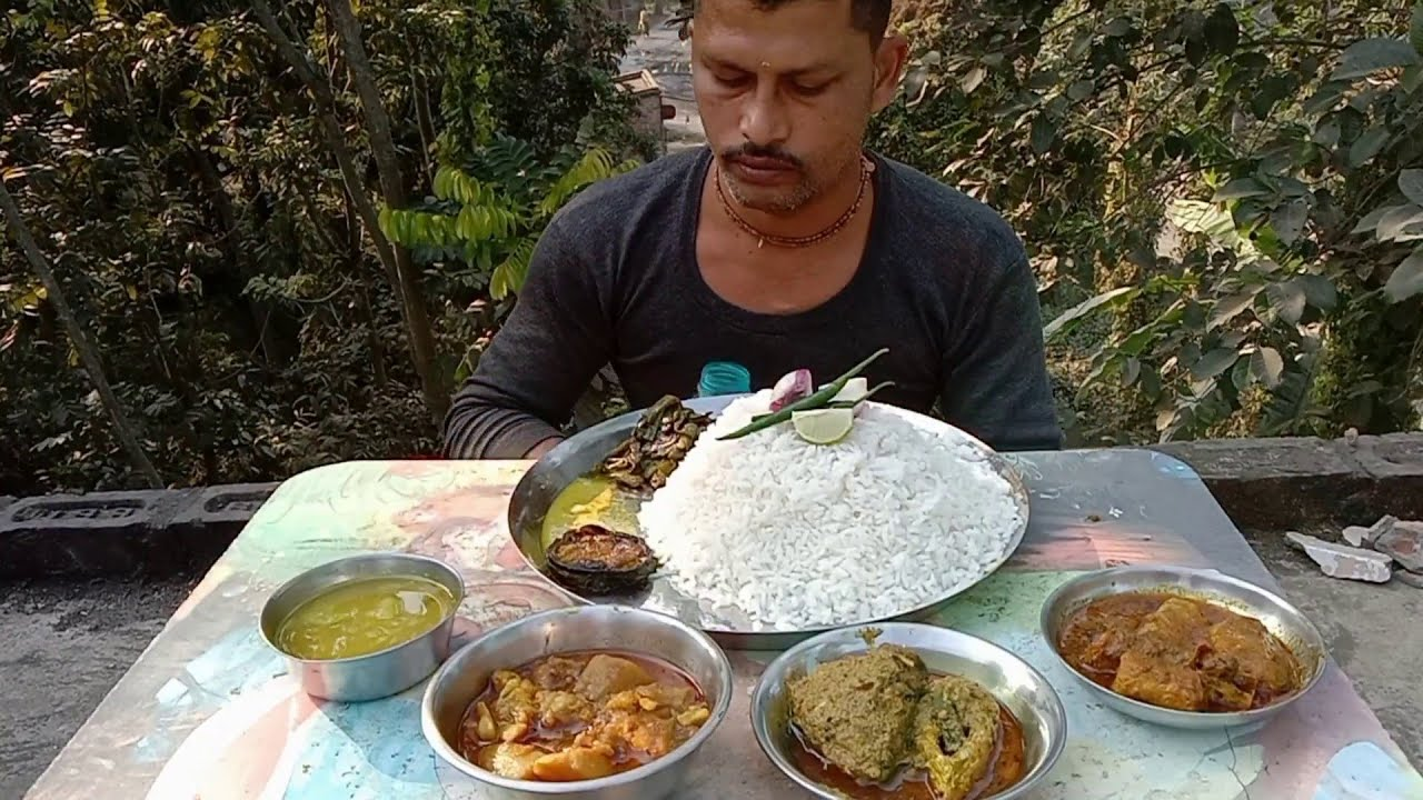 Eating Show Rice with Chandana Hilsa Fish - Bok Fish Curry - Potato Cauliflower Curry