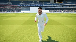 Virat kohli bowling - India vs Australia Test Match - Ashes Cricket