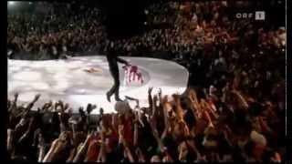 Michael Jackson Londra 2006 World Music Award lancia la giacca ai Fans...