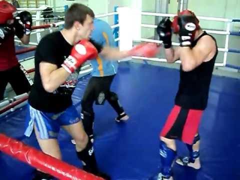 посмотреть видео с участием бойца дмитрия шакуты