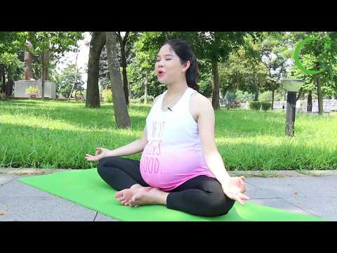 yoga-poses-for-pregnancy:-7-9-months