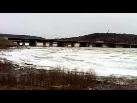 Athabaskan River breakup 29 April 2013