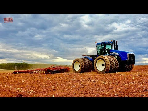 New Holland TJ430 Tractor with Triple Tires