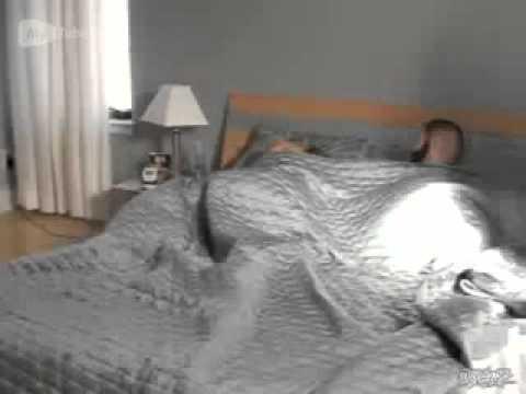 Как напугать свою девушку