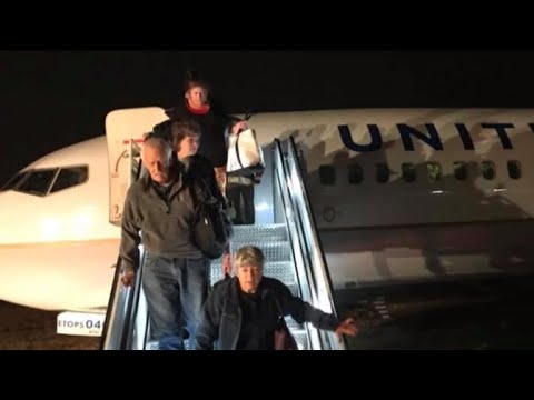 United Airlines plane slides off runway in Green Bay