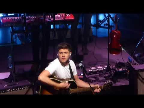 On My Own - Niall Horan Flicker Sessions (O2 Shepherd's Bush Empire, London 31/08/17))