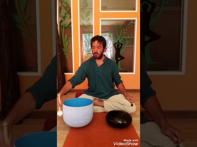 Sound Meditation - Perfect Pitch G Crystal Singing Bowl and Happy Drum