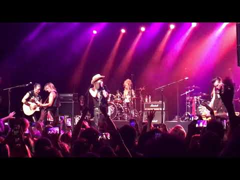 Adam Ant - Goody Two Shoes live 2017