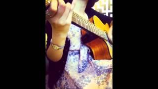 Lưng chừng hạnh phúc Guitar cover by Uyên Sumi