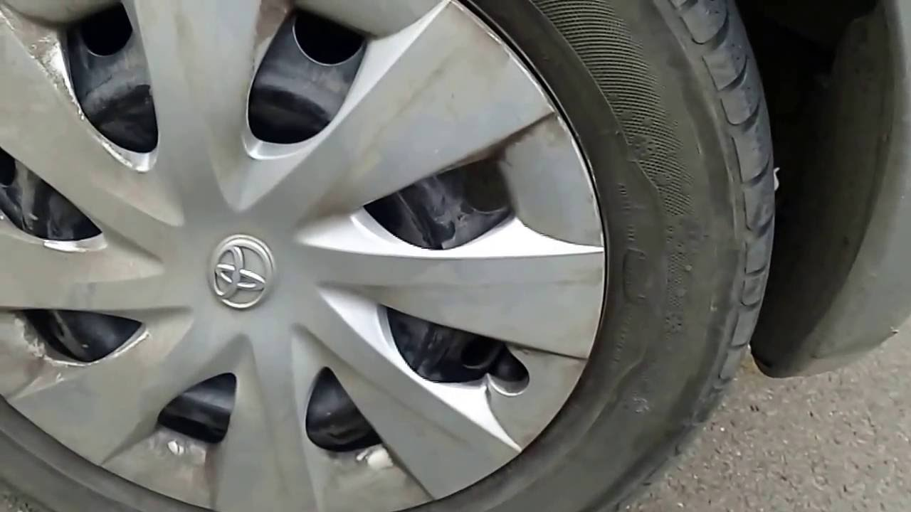 toyota yaris proper hub cap wheel cover removal remove caps wheel covers without breaking them [ 1280 x 720 Pixel ]