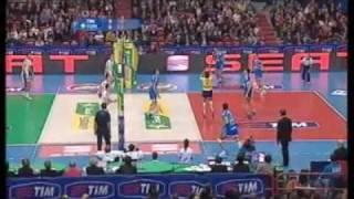 مباراة مجنونة في كرة الطائرة