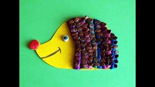 Ежик из пластилина и арбузных семечек. Детские поделки из природного материала своими руками.