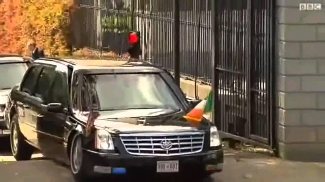 Carro presidente Obama encalha em lombada EUA - YouTube
