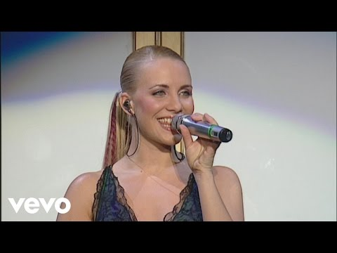 Steps - Hand On Your Heart (Live At The M.E.N Arena '02)